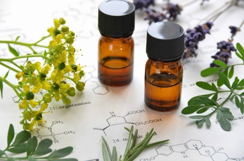 what-are-essential-oils1